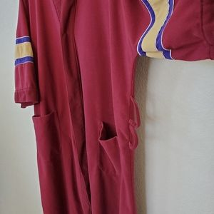 Vintage Other - Vintage Munsingwear Loose-fitting Button Down Robe